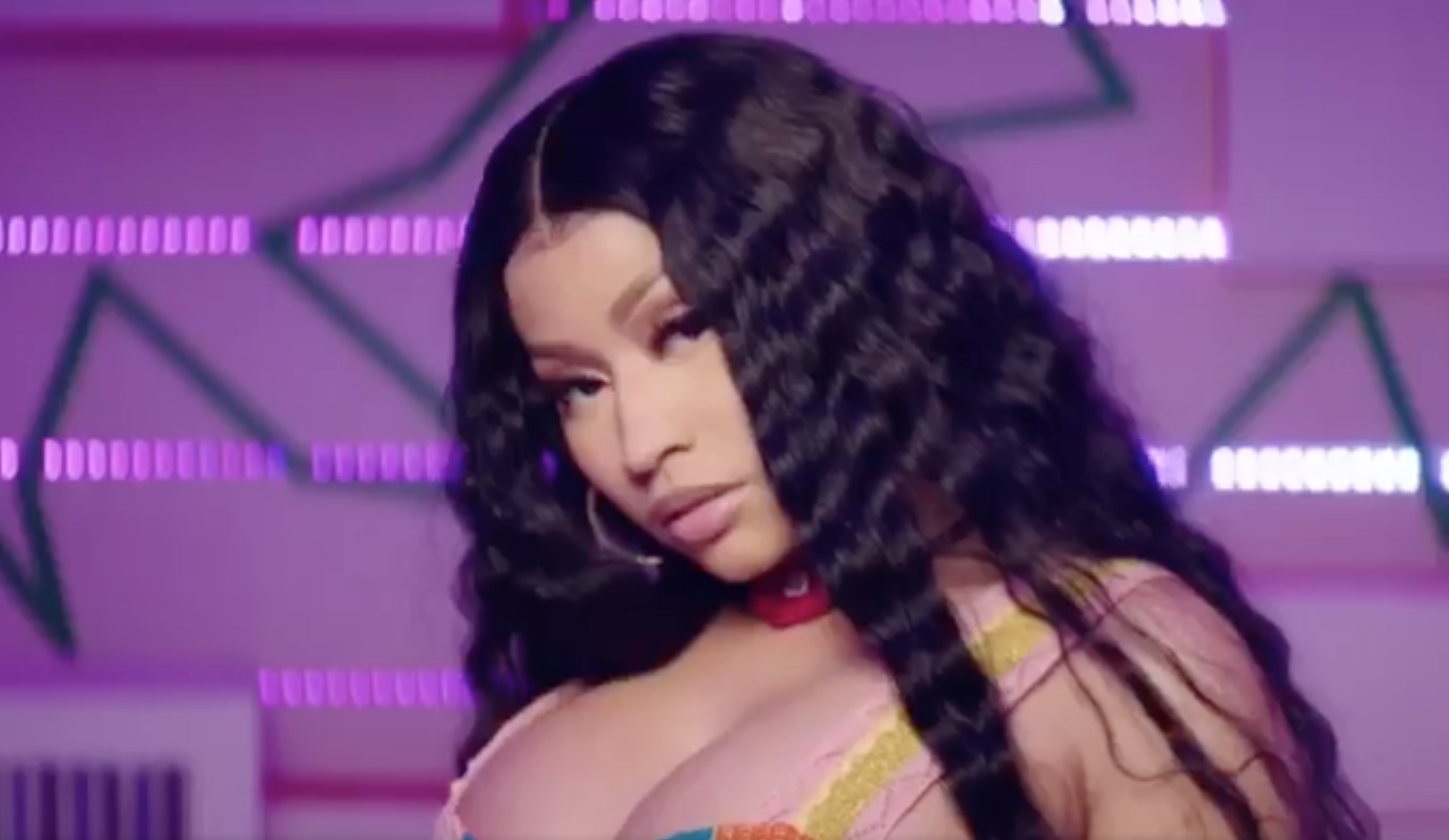 "Nicki Minaj – ""Megatron"" (Video)"