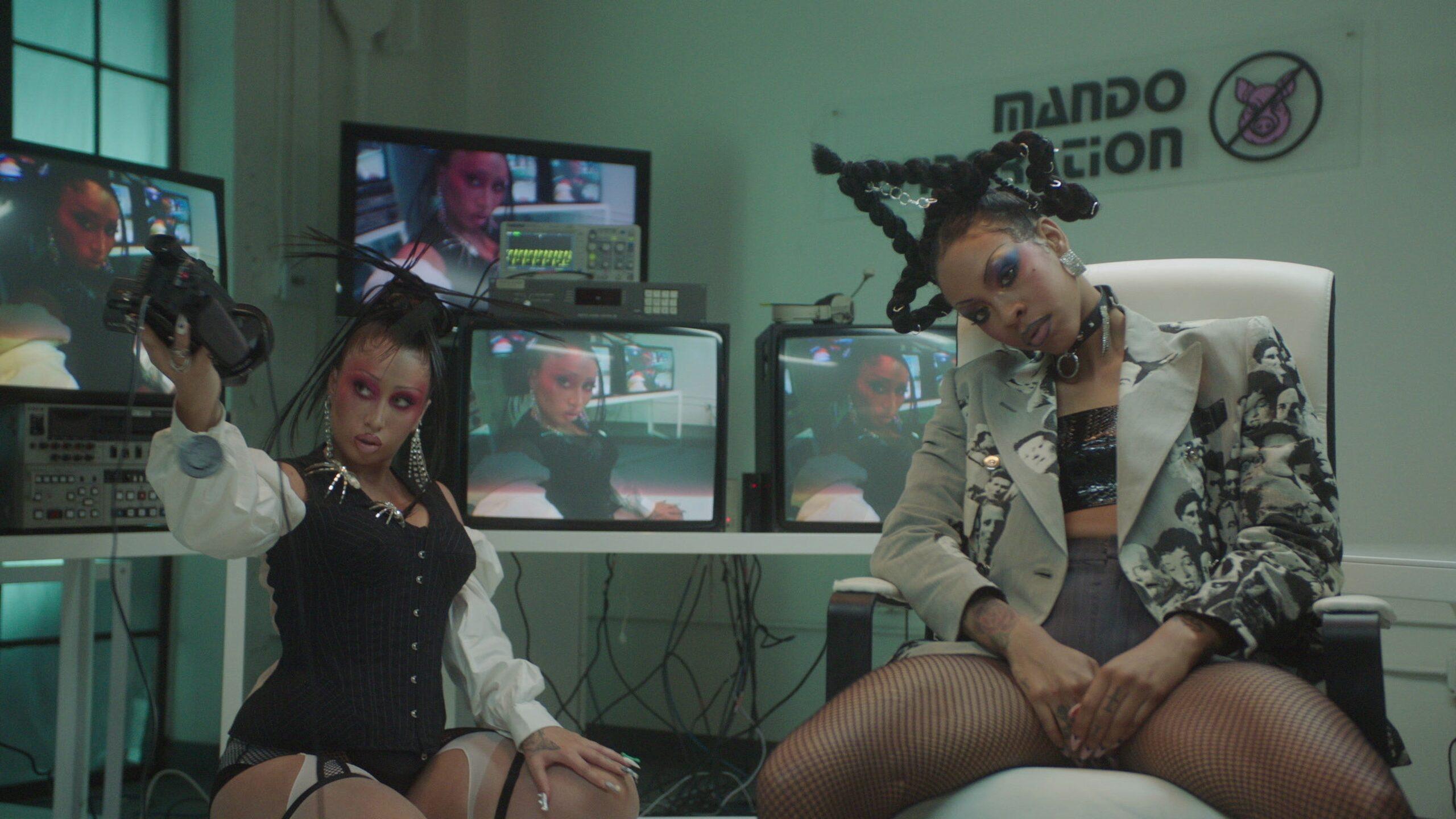 "Kali Uchis Feat. Rico Nasty – ""Aquí Yo Mando"" (Video)"